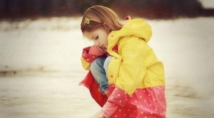 小小美刚上幼儿园时,班主任是位年轻的幼师